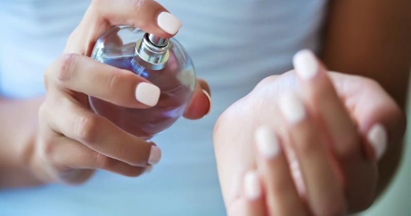 Как закрепить аромат духов на весь день? Очень простой трюк! Теперь пользуюсь только так ГЛАВНАЯ ДОМ