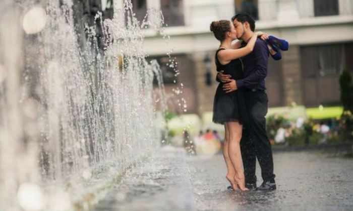 Зашла на фотовыставку и увидела там фотографию мужа, на которой он целует другую