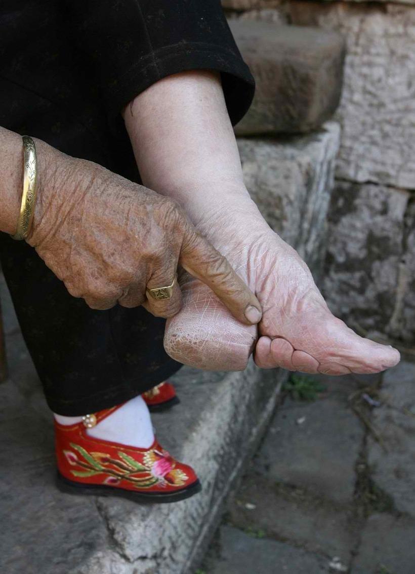 Отказали ноги у старого человека