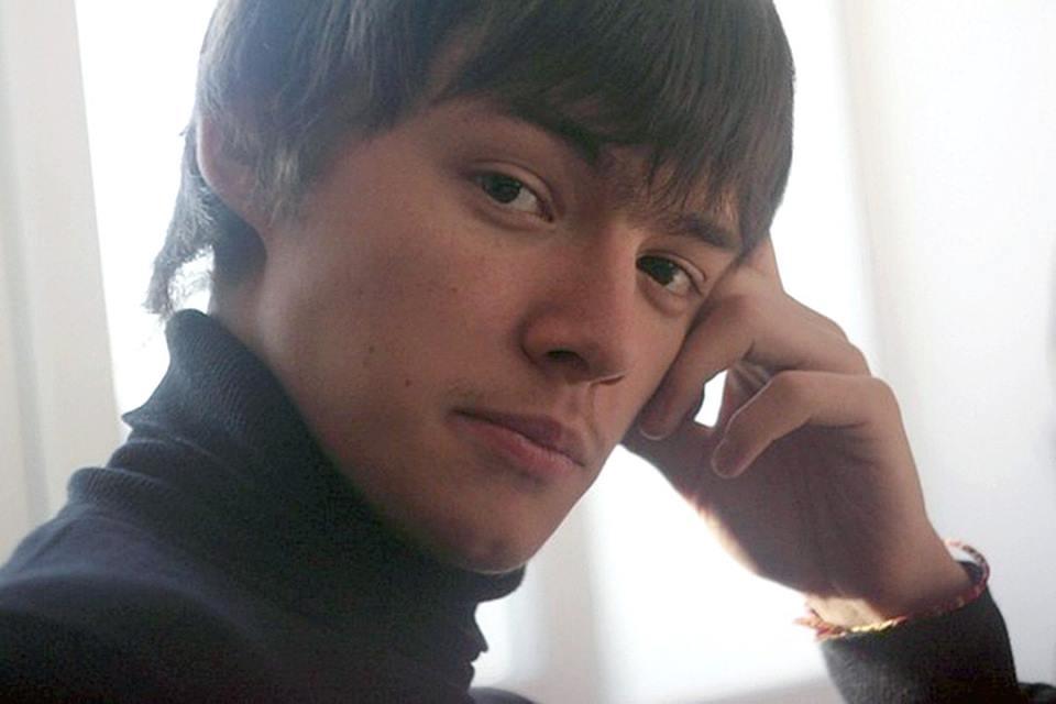 В Кемерове парень по имени Евгений спас 30 малышей в «Зимней вишне» благодаря противогазу, который оказался в числе его реквизита 110 Поделиться в Facebook