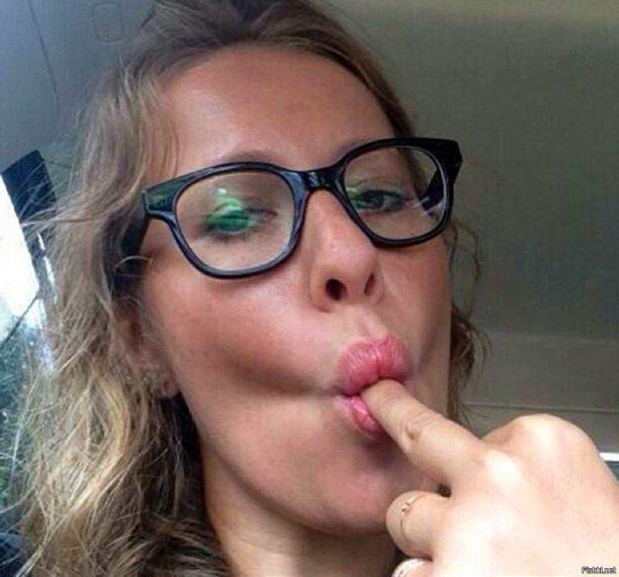 Кандидат в президенты: 12 пикантных фото Ксении Собчак, о которых она хотела бы забыть навсегда