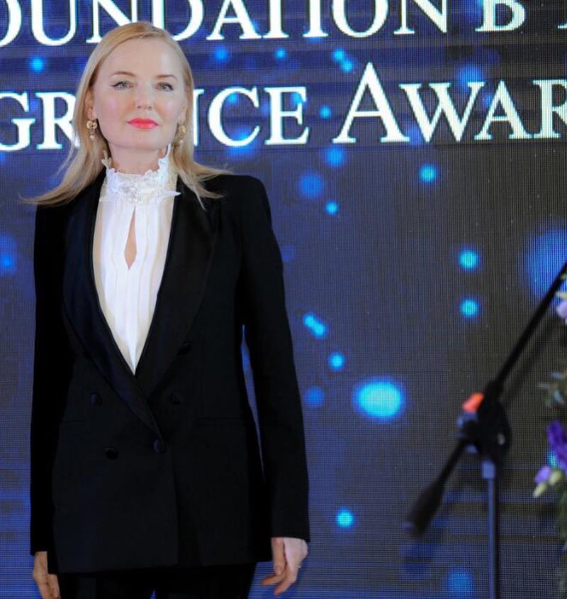 Фанаты восхищены красотой 60-летней Ларисы Вербицкой, которая выглядит на 30 лет моложе!