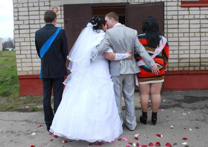 25 Ужасных Фотографий С Русских Свадеб, Которые Делать Не Стоило