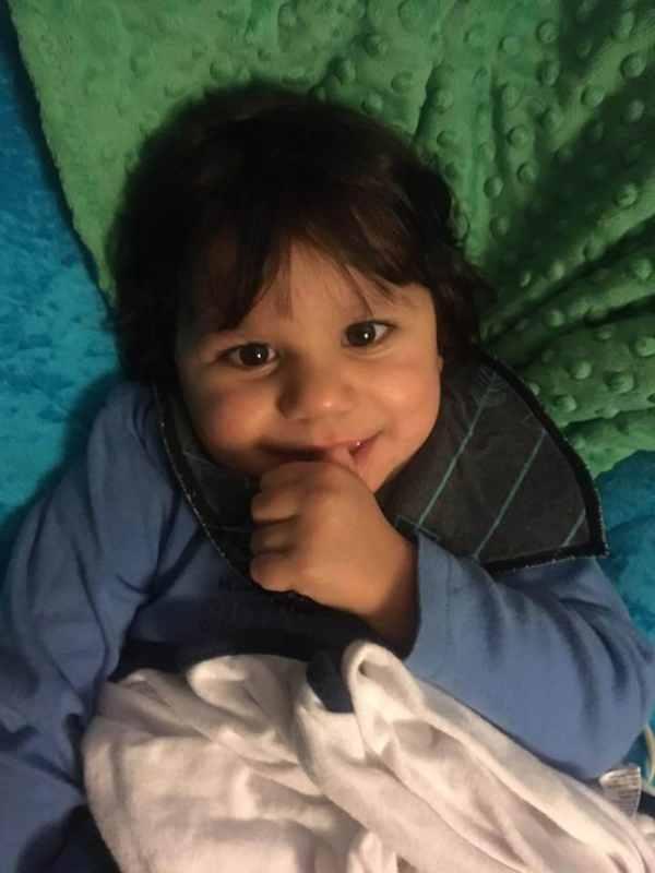 Этот малыш весил только 4 кг в свои 7 лет. Но потом появилась она…Невероятная история!