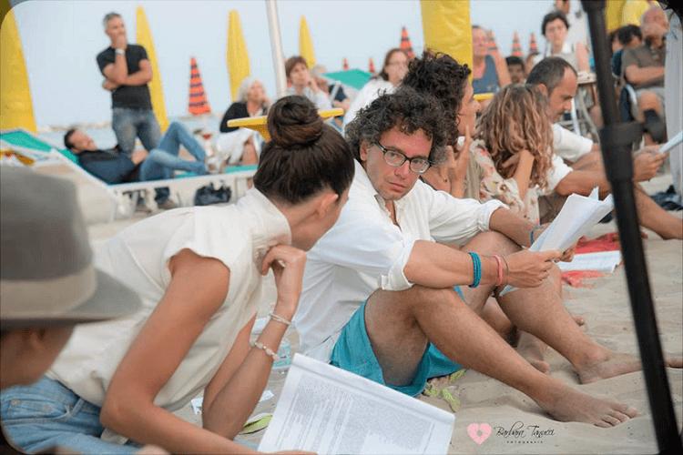 Учитель опубликовал задание на лето для учеников и прославился на весь мир