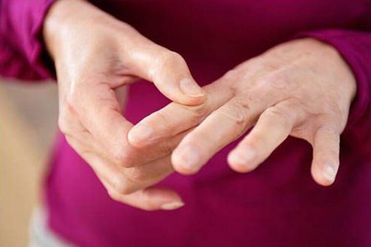 Ваши пальцы волшебным образом влияют на ваши эмоции