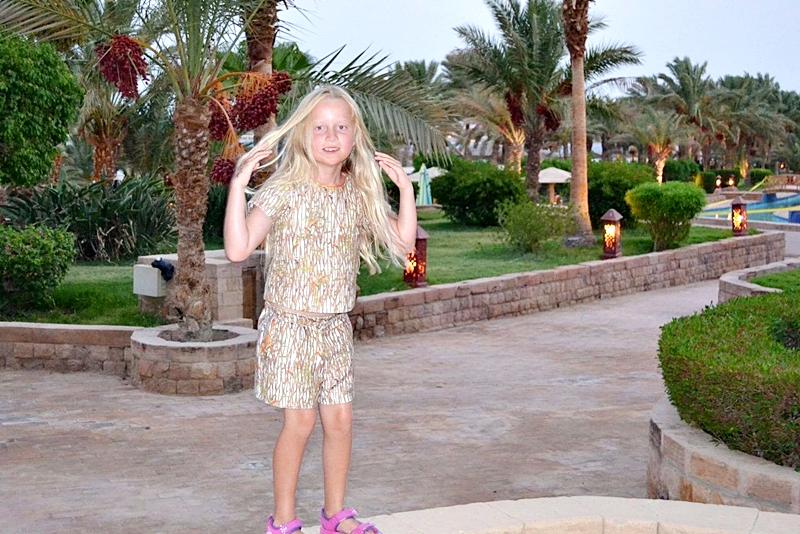 7-летняя малышка полетела с мамой в Египет. Вот чем обернулся для девочки курортный отдых…