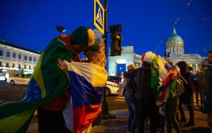 Позор на весь мир: Доступные и распутные россиянки на ЧМ-2018 зажигают с иностранцами