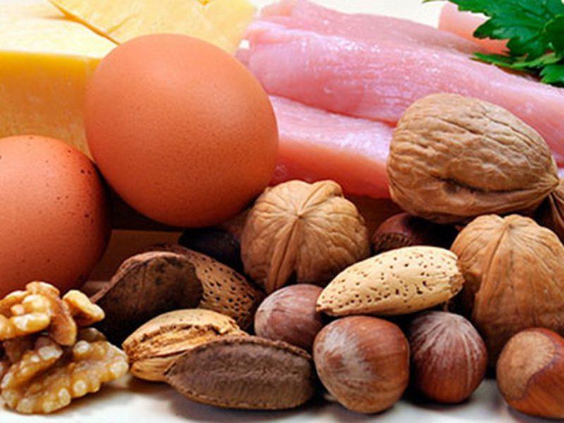 Я — кардиолог, и поэтому не разрешаю никому из своих близких есть эти 8 продуктов