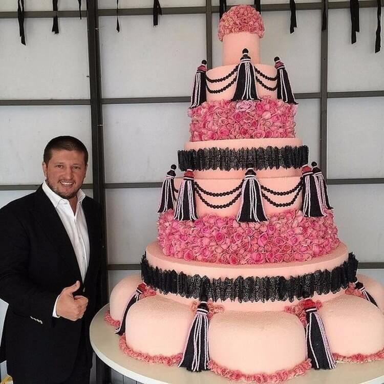 Подборка шедевральных тортов от одного из самых модных кондитеров