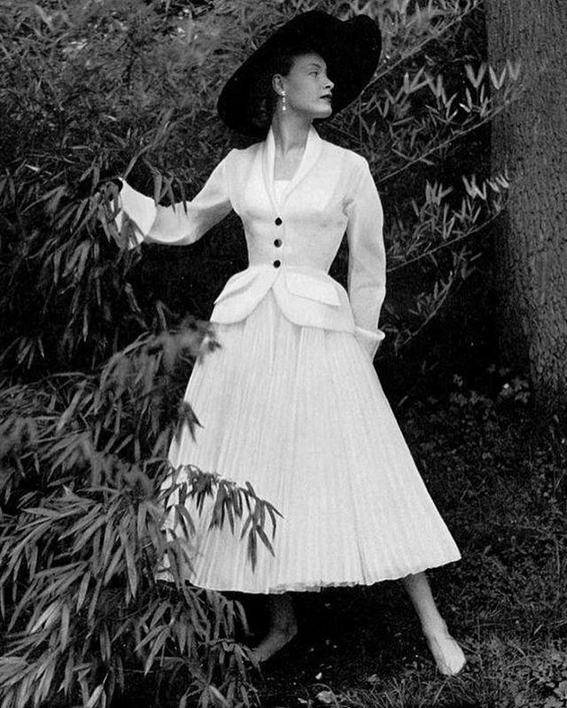 Снимки из прошлого, безупречность и красота женского тела