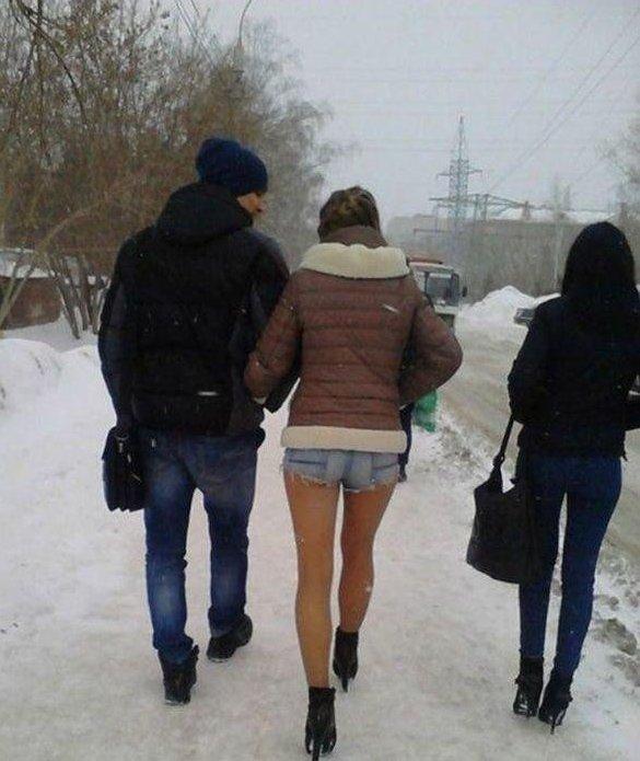 Морозостойкие девушки и гололёд