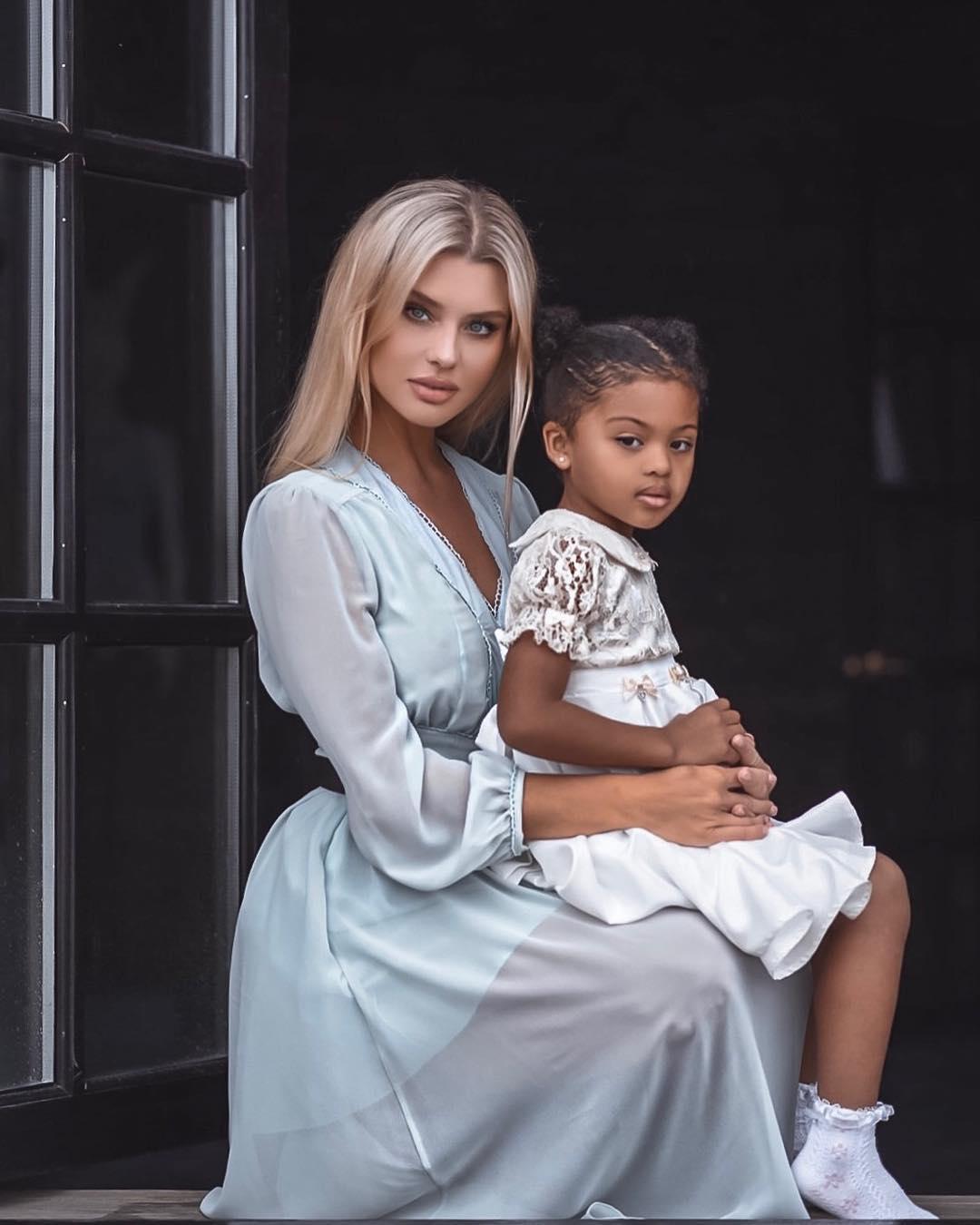 Эта необычная пара выложила в Сеть фото своей 8-летней дочери! Подписчики в восторге от красоты их ребенка