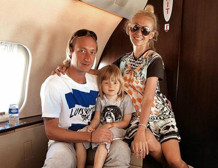 Гном Гномыч, пятилетний сын Рудковской и Плющенко признан одним из самых красивых мальчиков в мире