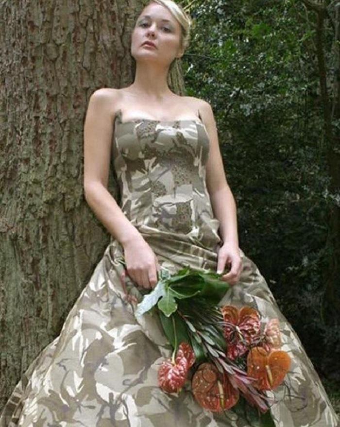 10 самых странных свадебных платьев, которые точно вас поразят!
