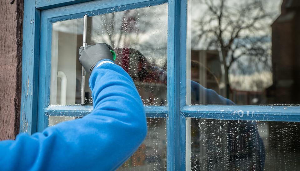 История о том, как женщина окна мыла