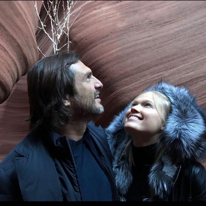 Русская модель вышла замуж за миллиардера вдвое старше себя и утверждает, что это любовь