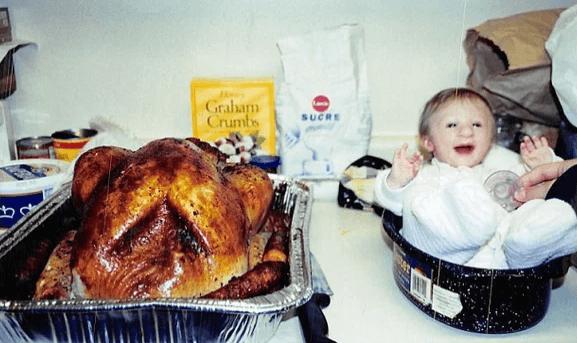 Доктора думали, 1-килограммовая малышка не выживет. Девочке-Дюймовочке уже 16 лет