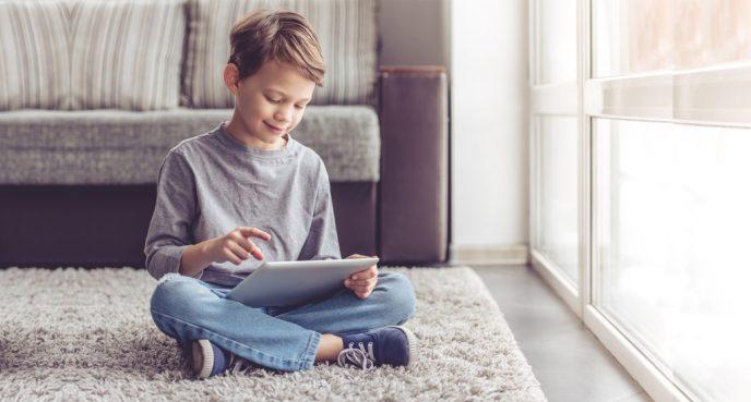 3 веские причины никогда не выкладывать фото своих детей в соцсети